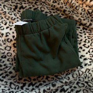 Brandy Melville Rosa Sweatpants-Hunter Green